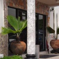 La Playa Suites