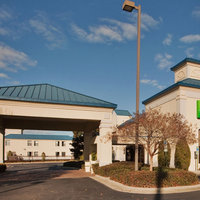 Holiday Inn Express Hotel & Suites Wilson I-95