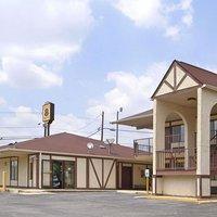Super 8 by Wyndham Burlington NC