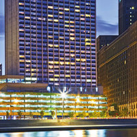 W Chicago Lakeshore