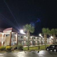 Days Inn Charleston- Airport Coliseum