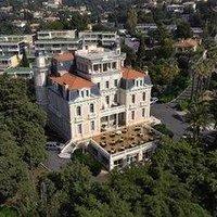 Chateau-Hotel Les Tourelles