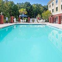 Holiday Inn Express Hotel & Suites Camden-I20