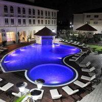 Hotel Ritz Calulo