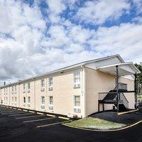 Super 8 Motel - Manning