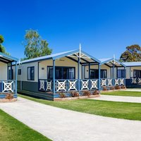 BIG4 Whiters Holiday Village Cabins Lakes Entrance