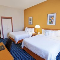 Fairfield Inn and Suites by Marriott Detroit Metropolitan Airport