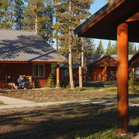 Headwaters Lodge & Cabins at Flagg Ranch