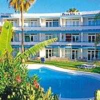 Arco Iris Apartments