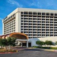 Marriott Dallas Addison Quorum Galleria