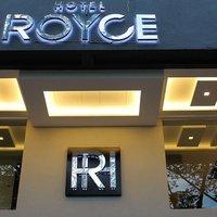 Royce Hotel by ZEN Rooms