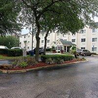 Hometown Inn & Suites Jacksonville – Butler Blvd./Southpoint