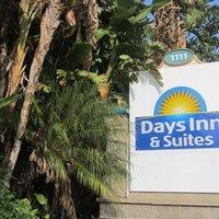 Days Inn & Suites Anaheim at Disneyland Park
