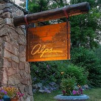 Alps Boulder Canyon Inn