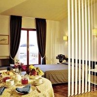 King's Residence Hotel