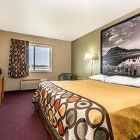 Super 8 Motel - Beresford