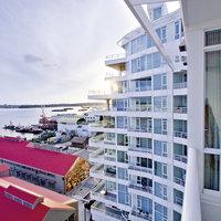 Pinnacle Hotel at the Pier