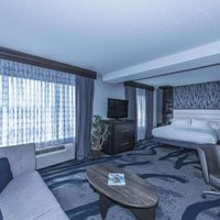 DoubleTree by Hilton North Charleston Convention Center
