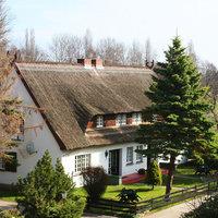 Bungalows & Ferienhäuser Forsthaus Damerow