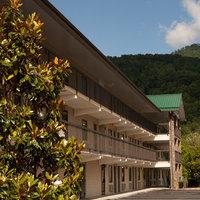 The Cherokee Lodge Motel