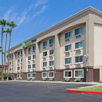 Holiday Inn Express Colton - Riverside North