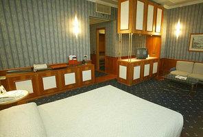 http://pictures.ultranet.hotelreservation.com/images/cache/c9/b1/c9b1487a929ca92133dfcd6d21c70b97.jpg?../../imagedata/UCHIds/68/4378168/result/346469_8_55612_800_596_282525_VAId545Seq4IMG1c245232d5c83bb3f7e8f5ca4c2afba5.jpg,,530,270,,,,,,,,,,RW,0,0