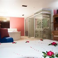 Hotel Aladdin Caracas - Couples Only