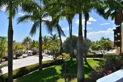 LionsDive Beach Resort