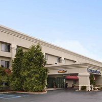 Baymont Inn & Suites Battle Creek/I-94