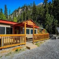 HI-Rampart Creek Hostel