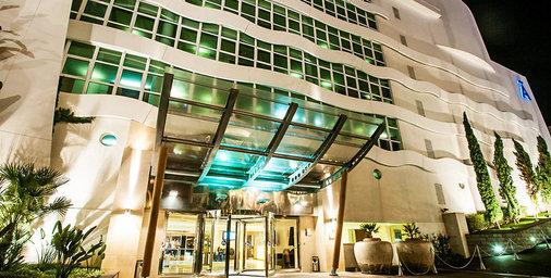 http://pictures.ultranet.hotelreservation.com/images/cache/8c/8a/8c8aa6c9fba88ce37144e02a00b77fbe.jpg?../../imagedata/UCHIds/29/7947529/result/440934_8_102374_800_534_179758_VAId674Seq38IMGd7b301fc1791da60daf8d05d2bc295ba.jpg,,80,80,,,,,,,,,,RW,0,0