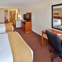 Holiday Inn Express Hotel & Suites Sheldon