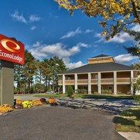 Econo Lodge® Maine Mall Hotel