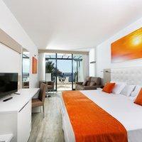 Sandos Papagayo Beach Resort