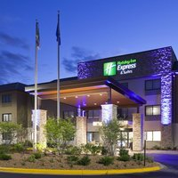 Holiday Inn Express & Suites (Golden Valley)
