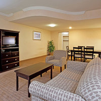 Holiday Inn Hotel & Suites Farmington Hills