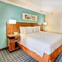Fairfield Inn & Suites Raleigh Crabtree Valley