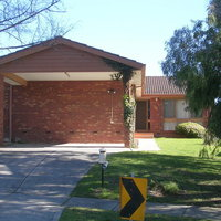 Australian Home Away @ East Doncaster Pine Hill