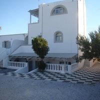 Tonaras Studios & Apartments