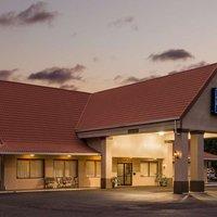 Travelodge Inn & Suites Jacksonville Airport