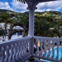 Grenadine House