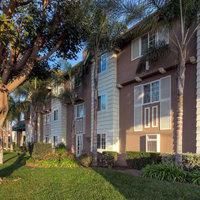 Ramada Inn & Suites Costa Mesa/Newport Beach