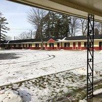 Sun 'N Snow Motel