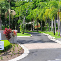 Oasis Palm Cove