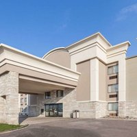 Wingate by Wyndham Detroit Metro Airport