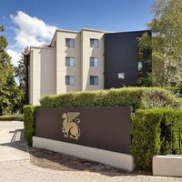 Astra Apartments The Griffin