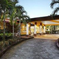 Las Olas Beach Resort